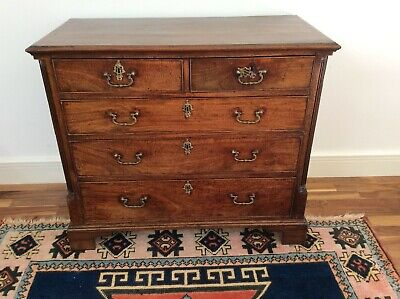 Georgian Period Top Quality Canted Reeded Corners, Crossbanded Chest Of Drawers