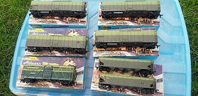 Athearn HO Freight Cars 7 lot of vintage rolling stock  undecorated