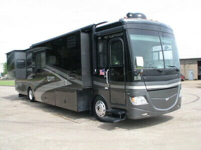 No Reserve!07  Fleetwood Discovery Model 40X, 3 Slides, 330Hp, 40Ft Diesel Rv!