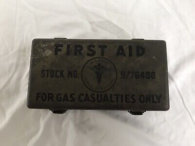WW II U.S. ARMY MEDICAL FIRST AID KIT WITH CONTENTS Gas Casualties MEDIC 9776400