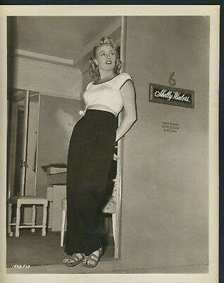 Shelly Winters Pin Up Actress 1950s vintage Press Photo