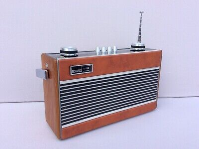ROBERTS R25 3 Band Radio in Near Mint Condition