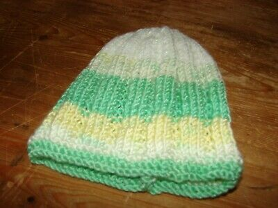 brand new hand knitted Green & white hat Newborn