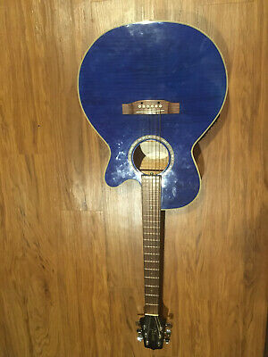 Takamine G Series 6 string electric acoustic guitar EG540C Barely used