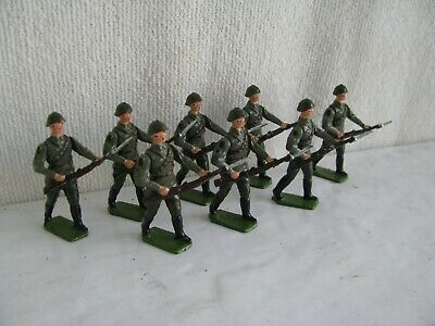 toy soldier- Russian (8)- Britains