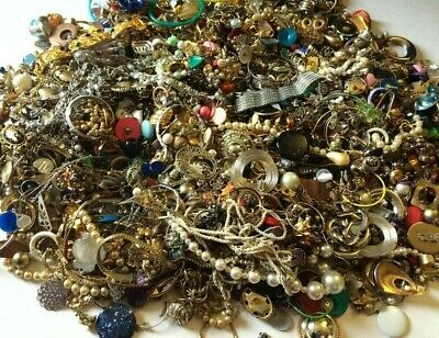 Unsorted Pounds Vintage Now Jewelry Junk Craft Lot Pieces Brooch Necklace Tangle