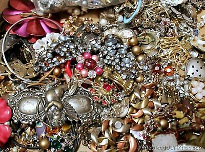 Unsearched Vintage Modern Jewelry Junk Craft Lot Pieces Parts Brooch Necklace ++