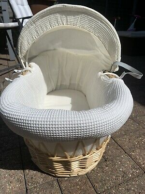 Kinder Valley Moses Basket - Cream