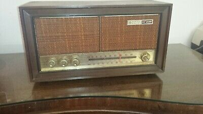 Working RARE WOOD GE General Electric Model T1240A AM/FM VACUUM Tube Radio DECO