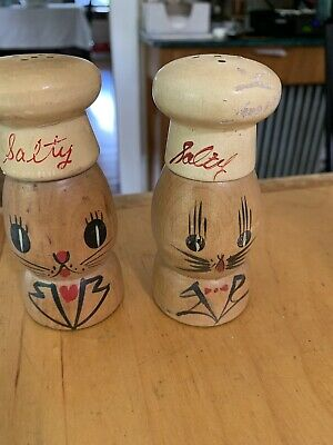 VTG Hand made In Japan Wood Salt  Shakers Chefs Woodware p103 D