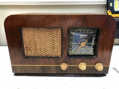 Georgeous Zenith Model 6D539 Black Dial Working Wooden Antique Radio, Great Case