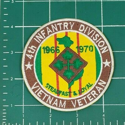 "Us Army 4Th Infantry Division Vietnam Veteran ""Steadfast & Loyal"" Patch - Vlcro"