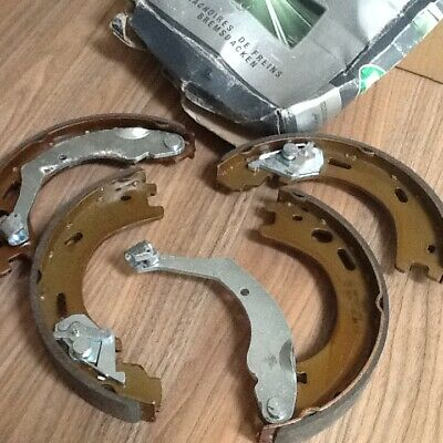 Handbrake Parking Brake Shoe's 4Off Rear Lpr 09570 New Oe Replacement Bnib