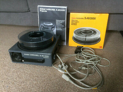 Kodak Carousel S-AV 2050 Slide projector, Wired Remote, 200mm Lens, Carousel & C