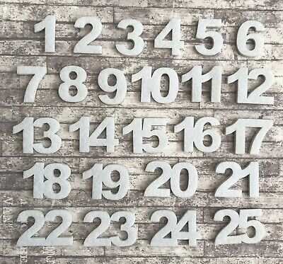 24 Advent Calendar numbers buttons Grey White green