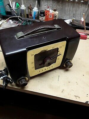Vintage Zenith Tube Radio H-615 - Works! New cord. Tuner works Sounds good. AM
