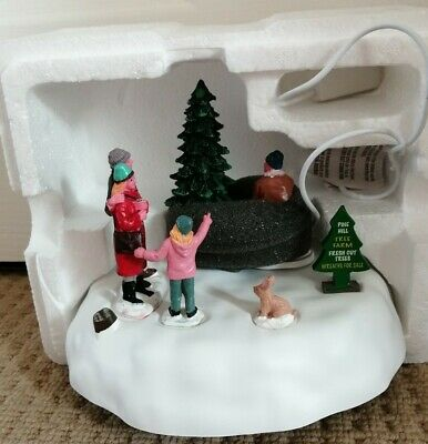Lemax PINE HILL TREE FARM Holiday Animated Table Accent 2016 Battery Operated
