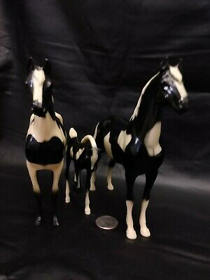 Vintage 1960s Hartland Stallion, Mare, and Foal. Lot of 3