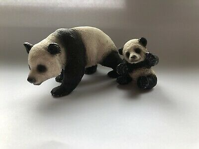 Schleich 2 pandas mother and club retired