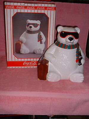 """1996 Issue COCA-COLA """"EXCLUSIVE"""" """"Hollywood"""" POLAR BEAR w/Suitcase COOKIE JAR"""