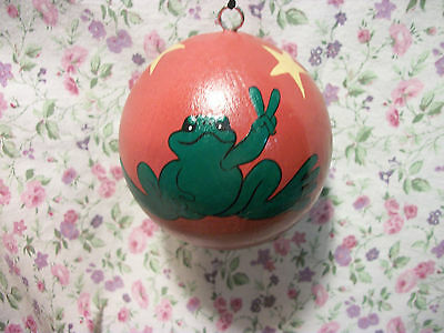 New Peace Frogs Red Star W/ Frog Ornament