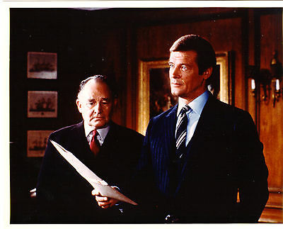 JAMES BOND  FOR YOUR EYES ONLY  STILL ROGER MOORE GEOFFREY KEENE