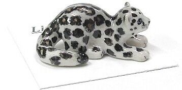 LC410 - little Critterz  Miniature Snow Leopard (Buy any 5 get 6th free!)