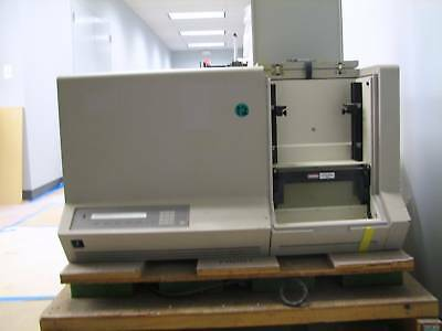 Applied Biosystems 373A DNA Sequencer