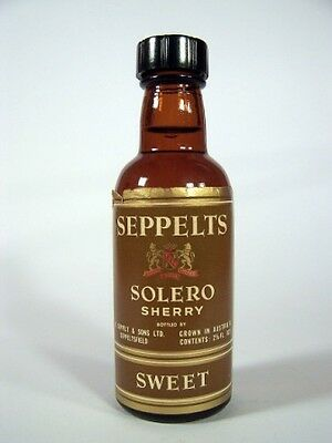 Miniature circa 1965 Seppelts Solero Sweet Sherry Isle of Wine