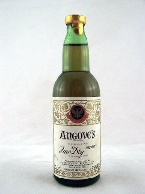 Miniature circa 1972 Angoves Fino Dry Sherry Isle of Wine