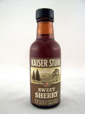 Miniature circa 1975 Kaiser Stuhl Sweet Sherry Isle of Wine