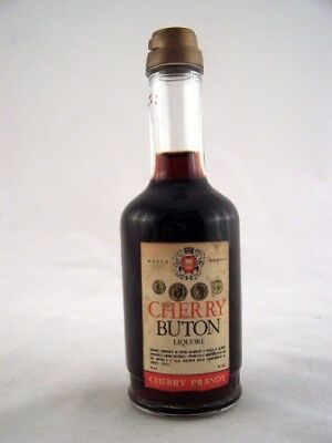 Miniature circa 1978 Cherry Buton Liquore Isle of Wine