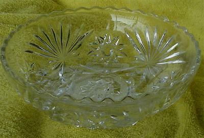 Nice Pressed Glass Serving Bowl, VERY GOOD CONDITION