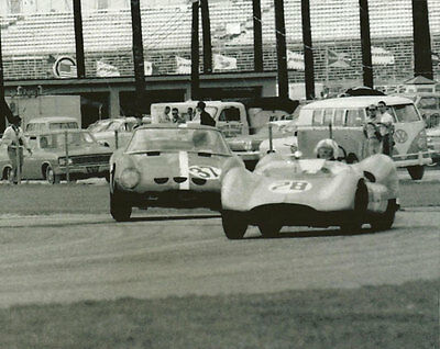 Foyt Scarab /& Volvo P1800 Auto Racing Photo Vintage 8X10 Daytona 1964 Cheetah