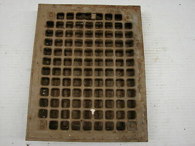 Vintage 1920S Iron Heating Grate Square Design 13.75 X 11 A