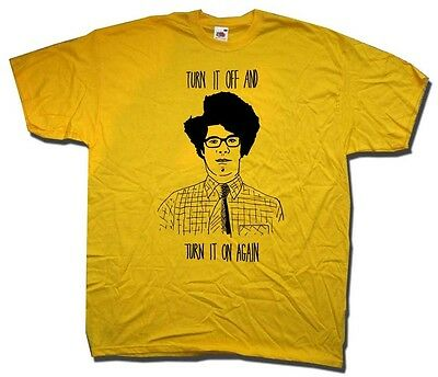Moss T Shirt - A Tribute To The It Crowd Turn It Off & Turn It On Again Fab!
