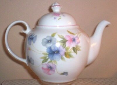 WADE POTTERY ROYAL VICTORIA FINE BONE CHINA TEAPOT~MADE IN ENGLAND