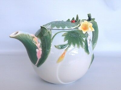 Rain Forest Sculptured Ceramic Tea Pot *New*