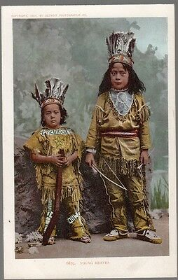 """[29782] OLD POSTCARD NATIVE AMERICAN INDIAN CHILDREN """"YOUNG BRAVES"""""""