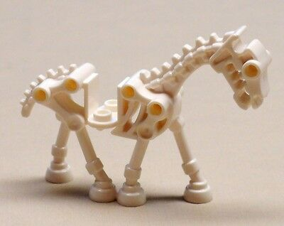 NEW Lego Castle Black SKELETON HORSE Kingdoms Minifig Animal w//Trans Red Wings