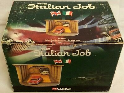 Cars : The Italian Job Diorama 1:36 Scale Mini Made By Corgi In 2001