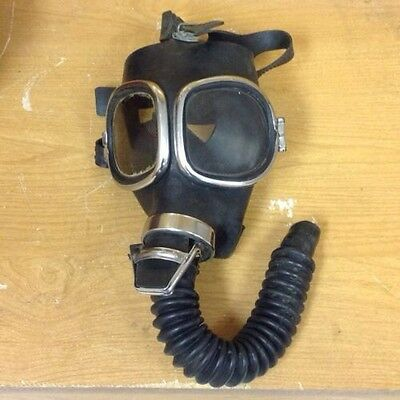 Vintage / Collectibles * MSA All-Service Gas Mask with All-Vision Face piece
