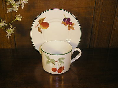 Excellent Royal Worcester EVESHAM VALE TEA CUPS and SAUCERS