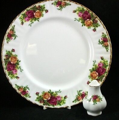 Royal Albert OLD COUNTRY ROSES  Dinner Plate + Salt Shaker GREAT CONDITION