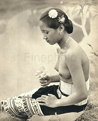 1946 Big Vintage Photo Art BORNEO FEMALE NUDE Asian Oriental Indonesia K.F. WONG