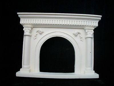 Fireplace - Arched UMF21 polyresin dollhouse miniature 1/12 scale