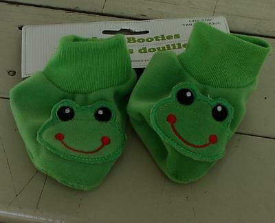 BRAND NEW WITH TAGS One Size Newborn Infant Booties, Green Froggy, SOFT, SO CUTE