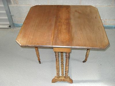 19th Century Mahogany Petit Sutherland Table