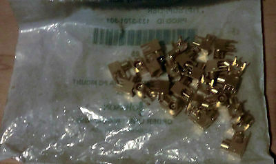 (25) Johnson 131-3701-301 RF Connectors PC R/A JCK/SMB