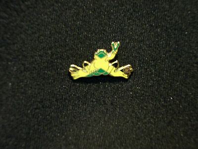 """New Peace Frogs 1"""" Jamaica Flag Lapel Pin"""